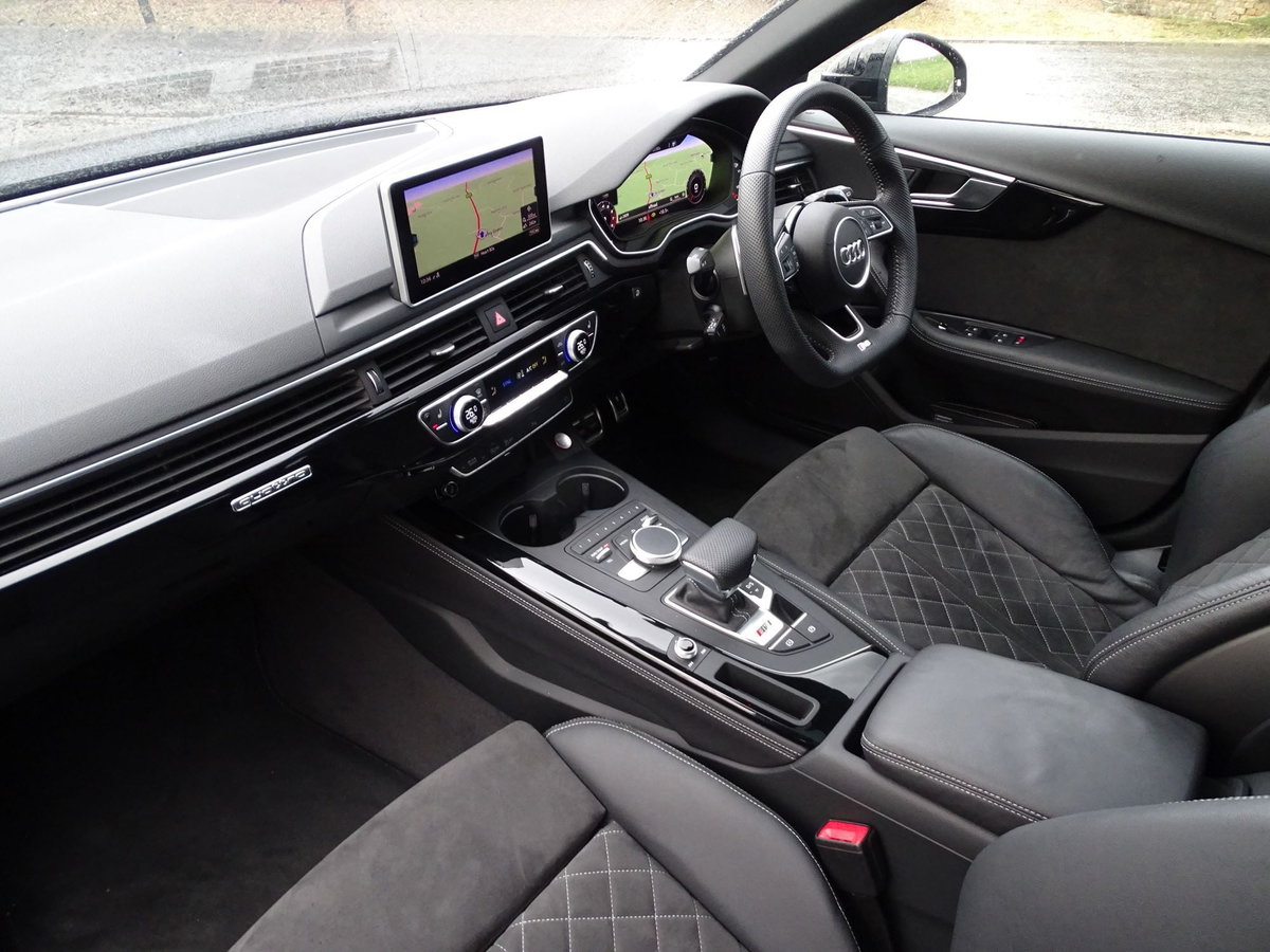 2019 Audi RS4 AVANT SOLD (picture 12 of 20)