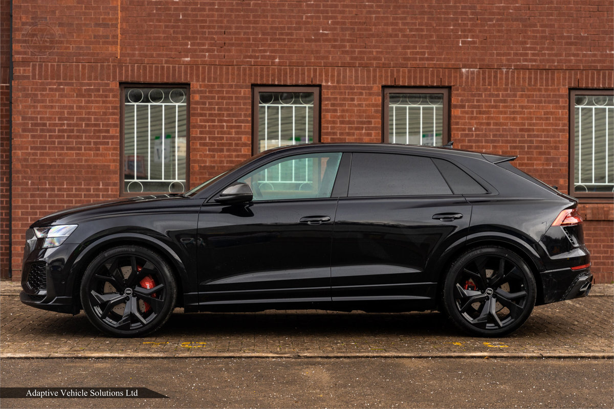2020 Save £5000 Off Audi RS Q8 Carbon Black - Pan Roof For Sale (picture 2 of 12)