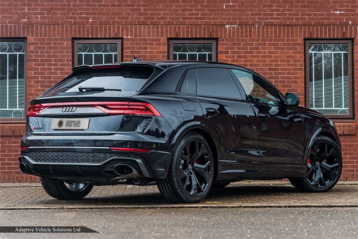 2020 Save £5000 Off Audi RS Q8 Carbon Black - Pan Roof For Sale (picture 3 of 12)