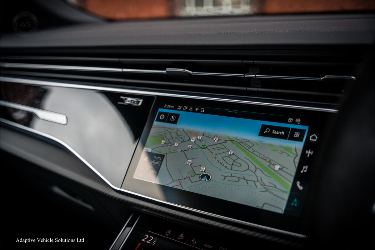 2020 Save £5000 Off Audi RS Q8 Carbon Black - Pan Roof For Sale (picture 5 of 12)