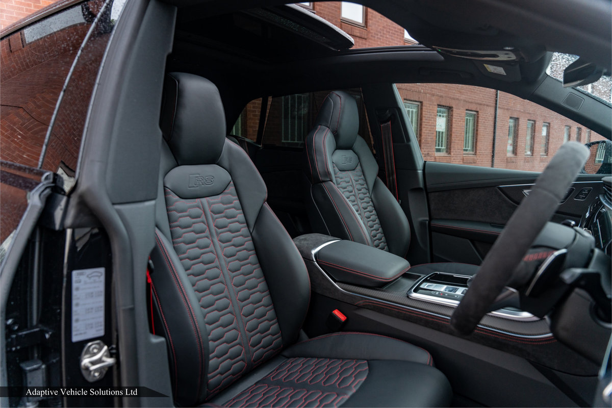 2020 Save £5000 Off Audi RS Q8 Carbon Black - Pan Roof For Sale (picture 8 of 12)