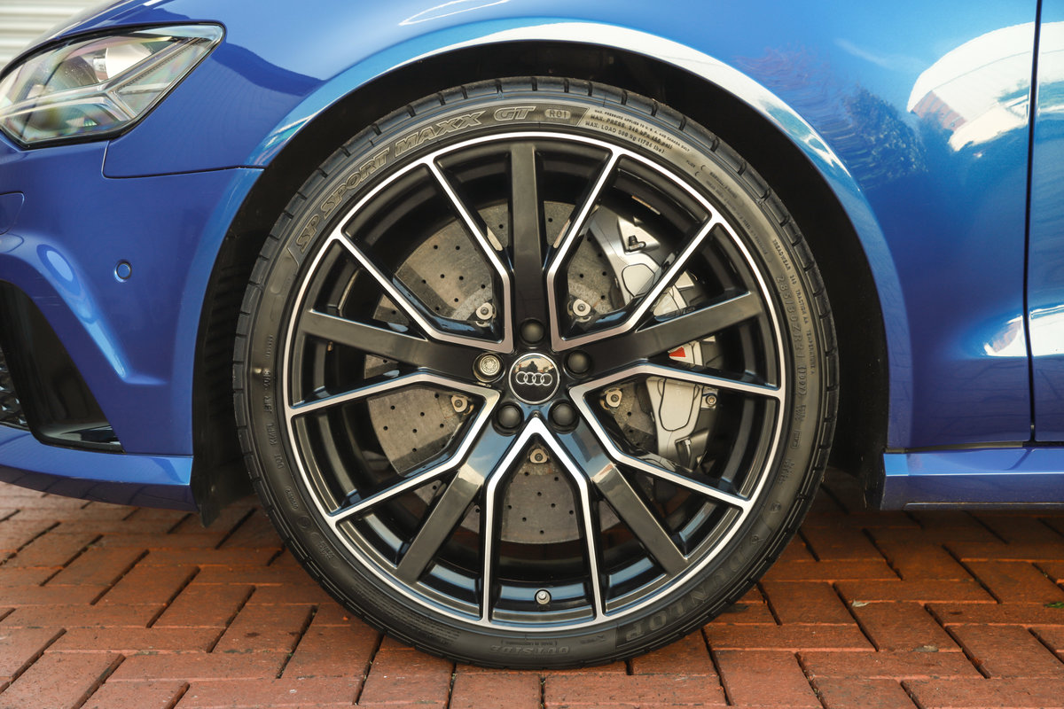 2017 Audi RS6 Performance - Ceramic Brakes & Dynamic Pack Plus For Sale (picture 9 of 25)