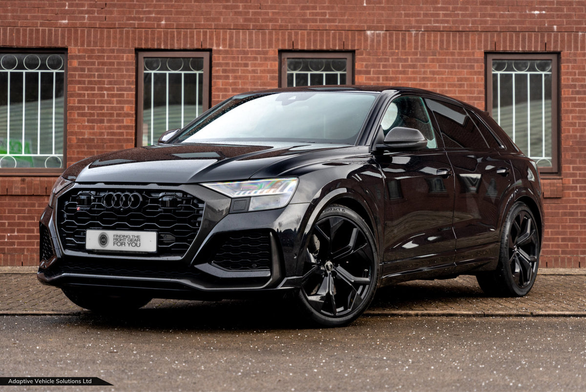 2020 Save £5400 Off Audi RS Q8 Carbon Black - Pan Roof For Sale (picture 1 of 12)