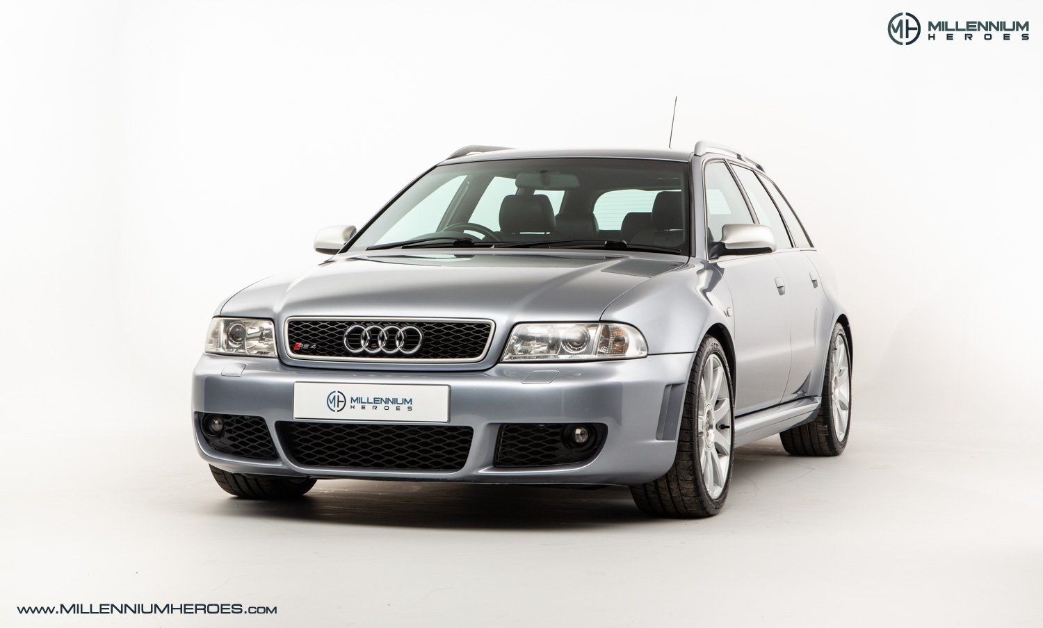 2001 AUDI B5 RS4 AVANT // 95K MILES // AVUS SILVER For Sale (picture 1 of 28)