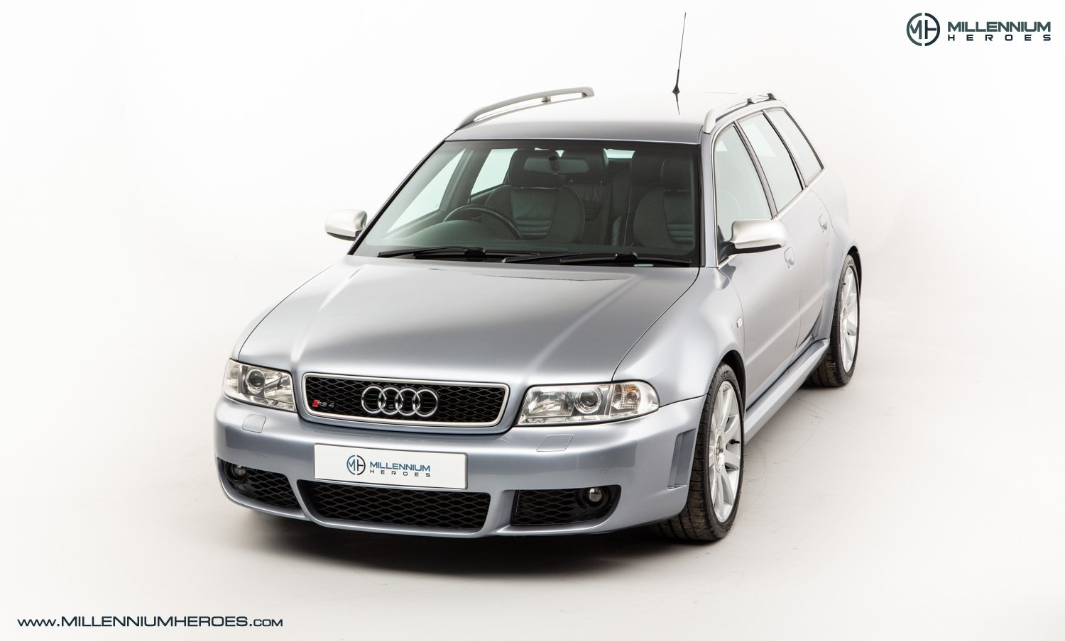 2001 AUDI B5 RS4 AVANT // 95K MILES // AVUS SILVER For Sale (picture 2 of 28)