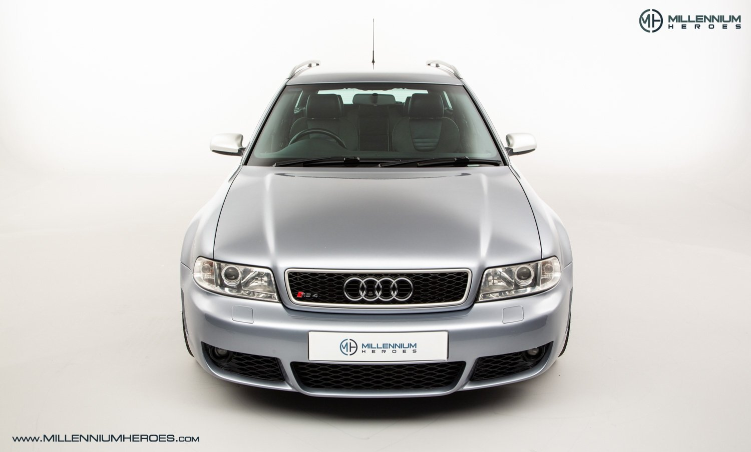 2001 AUDI B5 RS4 AVANT // 95K MILES // AVUS SILVER For Sale (picture 3 of 28)