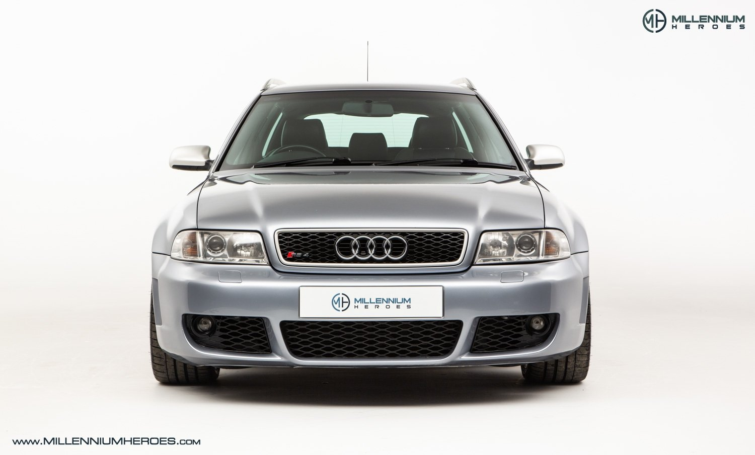 2001 AUDI B5 RS4 AVANT // 95K MILES // AVUS SILVER For Sale (picture 4 of 28)