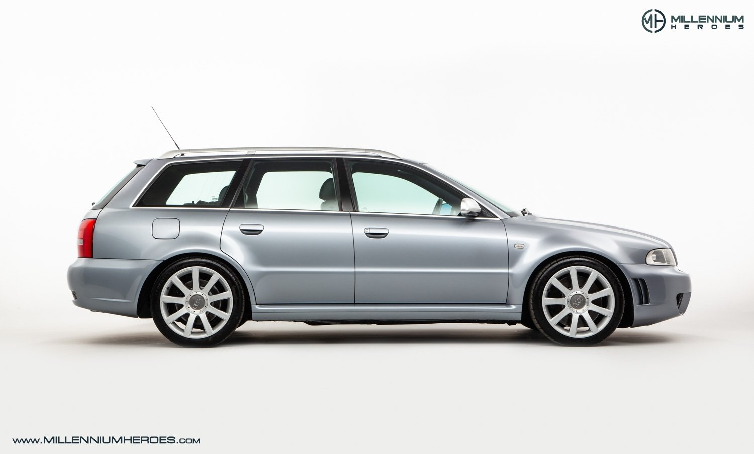 2001 AUDI B5 RS4 AVANT // 95K MILES // AVUS SILVER For Sale (picture 7 of 28)