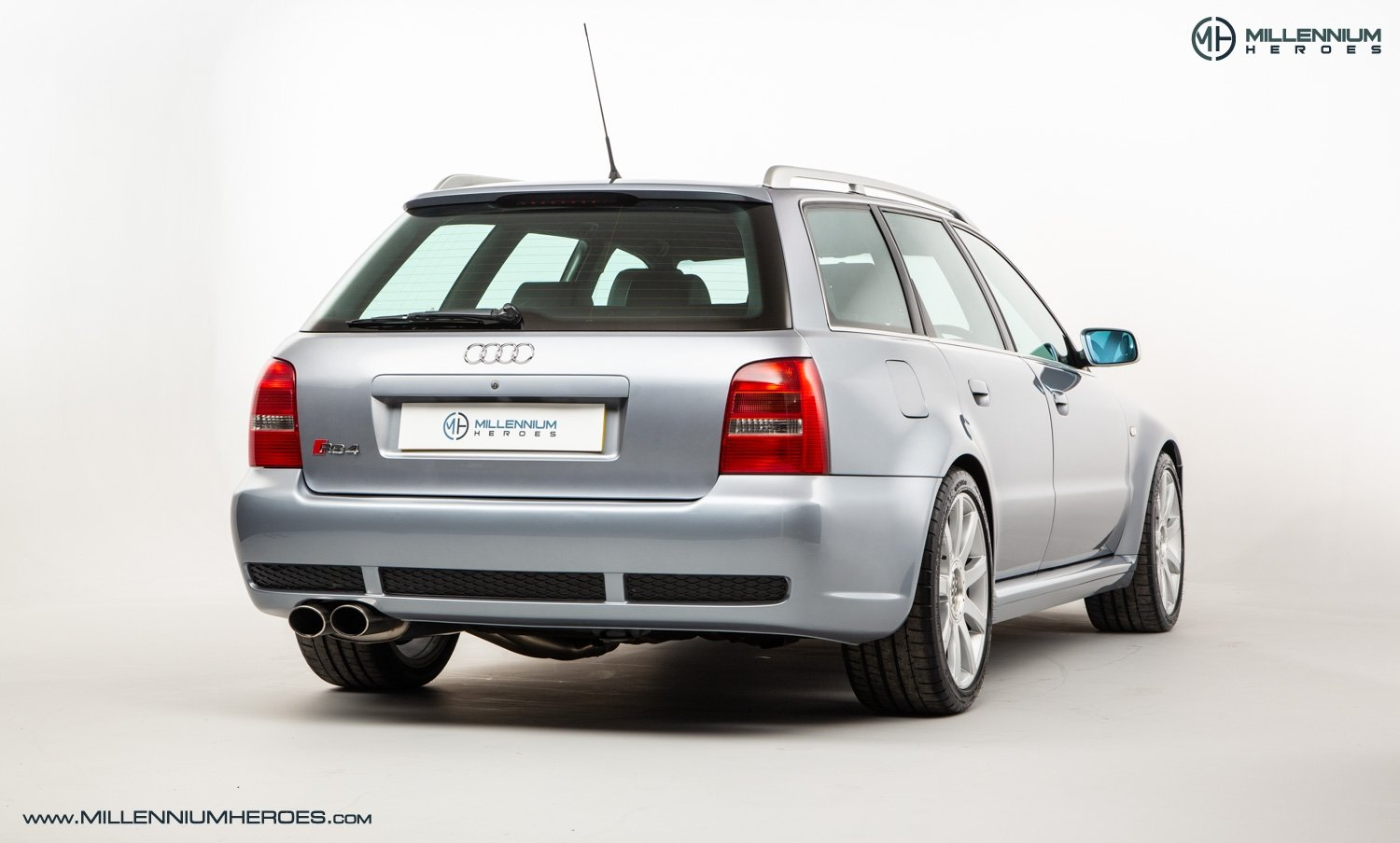 2001 AUDI B5 RS4 AVANT // 95K MILES // AVUS SILVER For Sale (picture 8 of 28)
