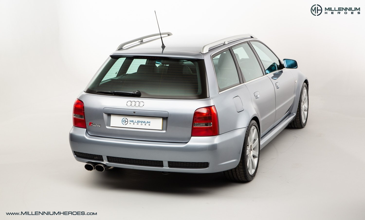 2001 AUDI B5 RS4 AVANT // 95K MILES // AVUS SILVER For Sale (picture 9 of 28)