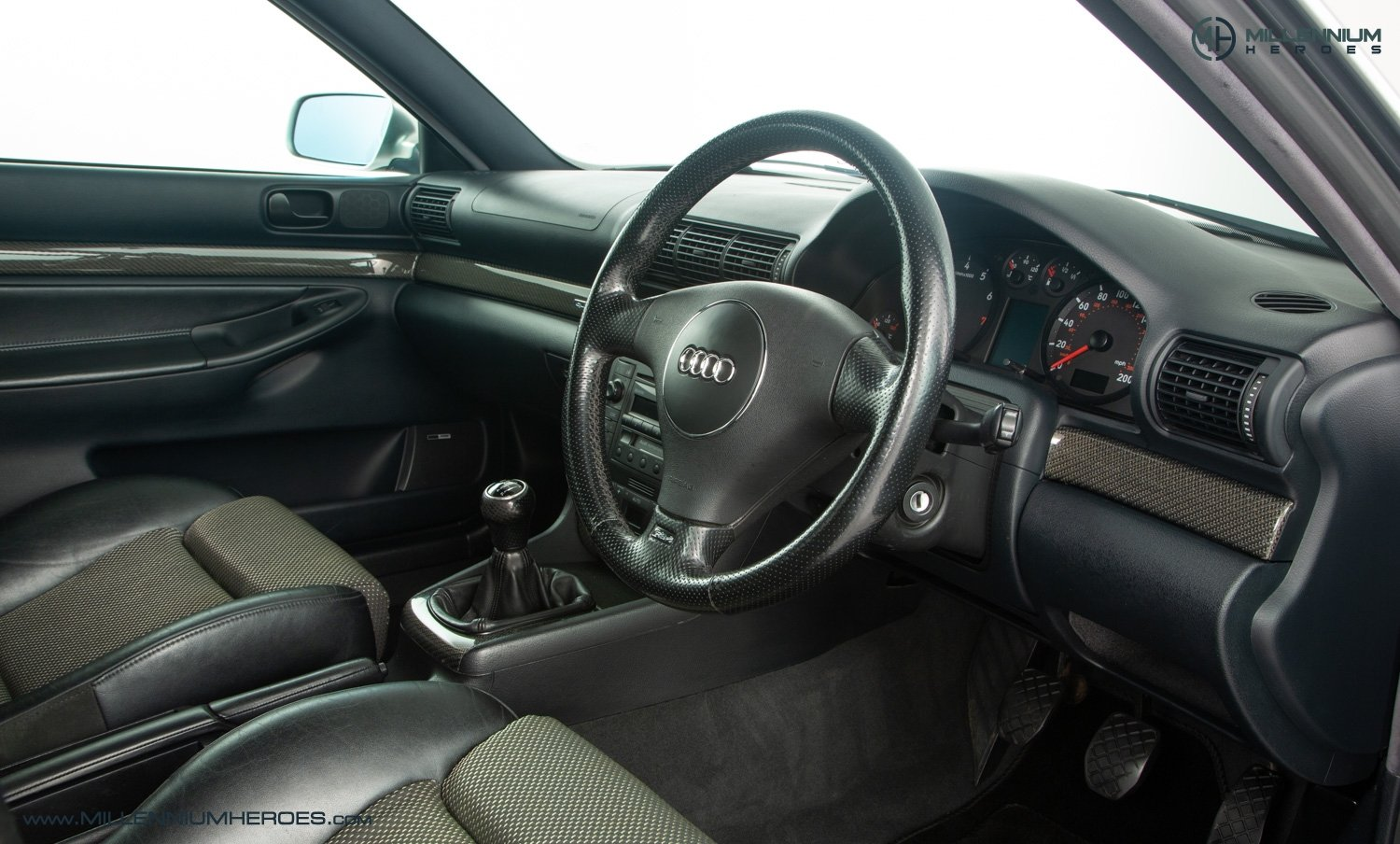 2001 AUDI B5 RS4 AVANT // 95K MILES // AVUS SILVER For Sale (picture 13 of 28)