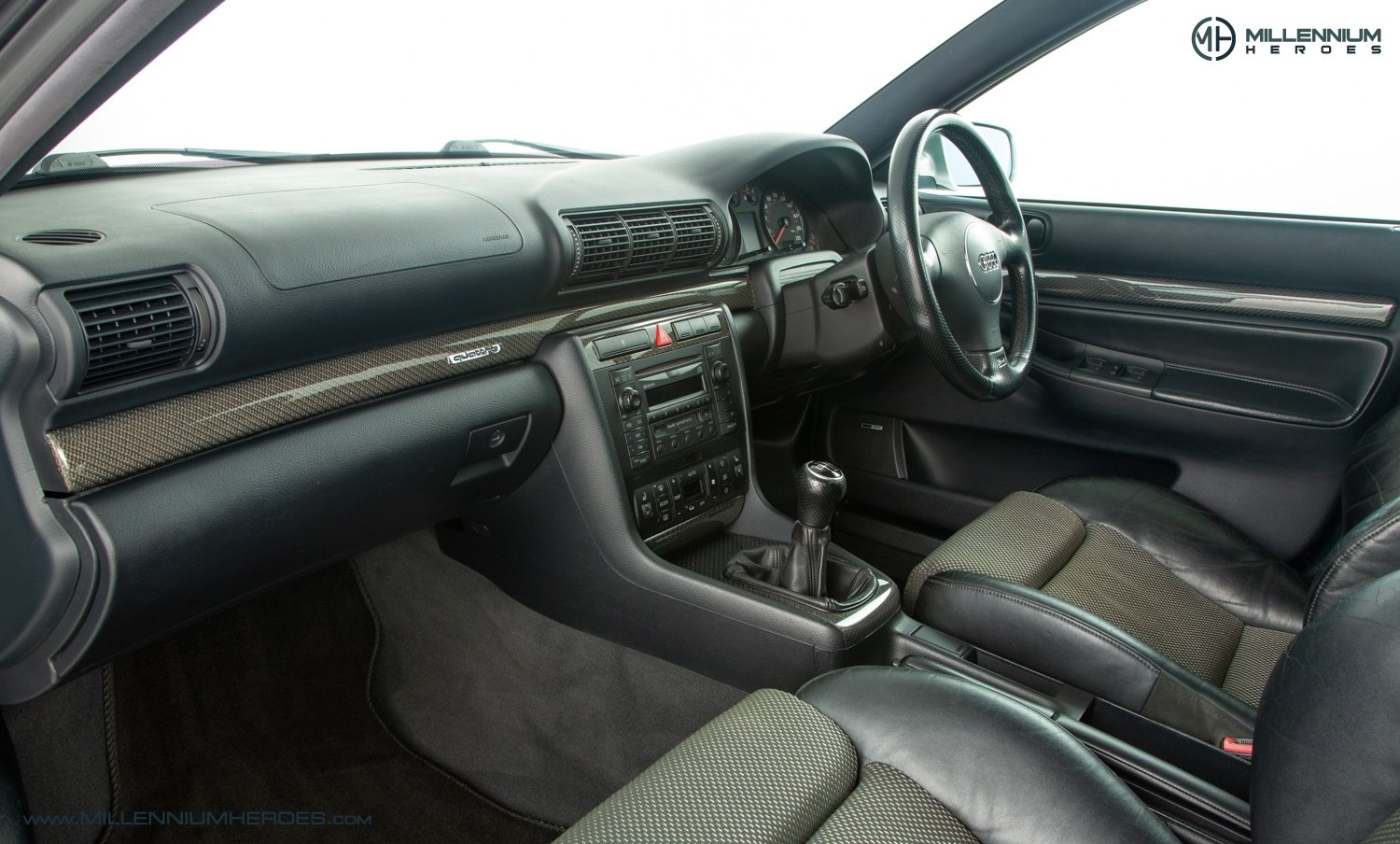 2001 AUDI B5 RS4 AVANT // 95K MILES // AVUS SILVER For Sale (picture 16 of 28)