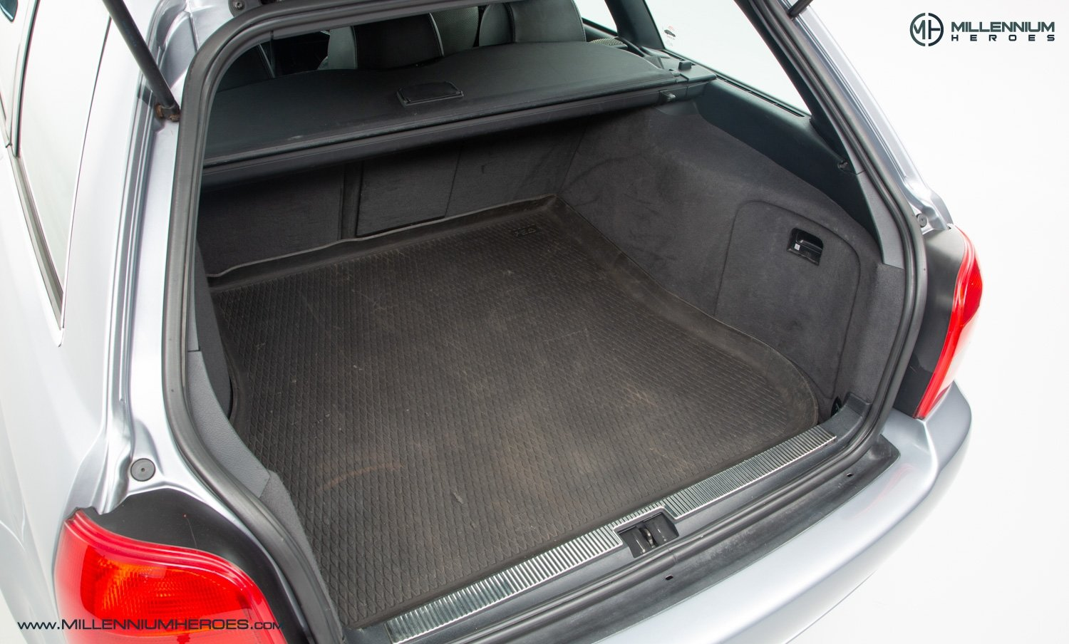 2001 AUDI B5 RS4 AVANT // 95K MILES // AVUS SILVER For Sale (picture 20 of 28)