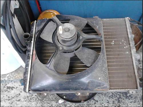 Radiatior and electric fan assembly For Sale (picture 4 of 4)