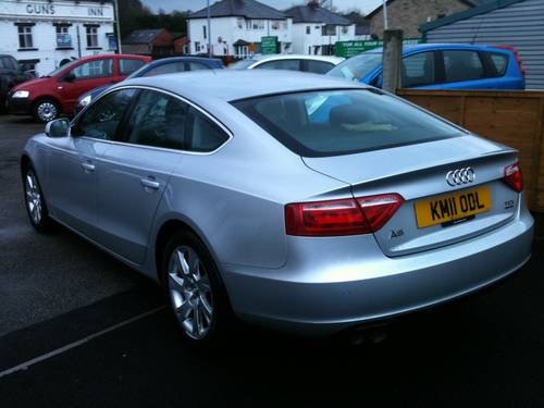 2011 BARGAIN 4 WHEEL DRIVE SALOON For Sale (picture 4 of 6)