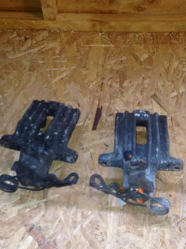 2001 REAR BRAKE CALIPERS ( For Sale (picture 1 of 2)