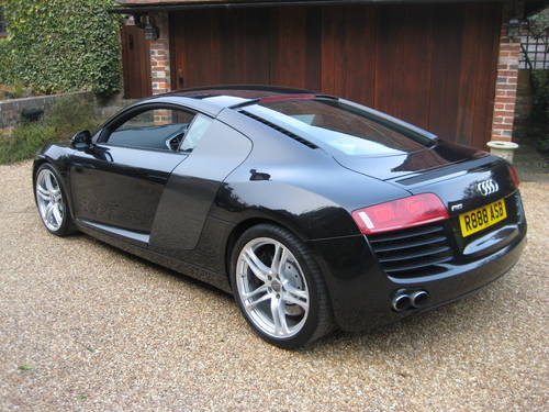 2008 Audi R8 Quattro With Only 27,000 Miles + £9k Of Options For Sale (picture 5 of 6)