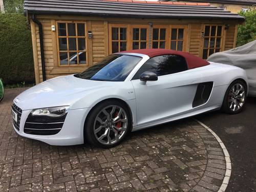 2012 AUDI R8 SPYDER 5.2 V10 QUATTRO, STUNNING! For Sale (picture 1 of 6)