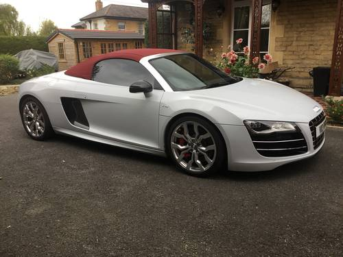 2012 AUDI R8 SPYDER 5.2 V10 QUATTRO, STUNNING! For Sale (picture 3 of 6)