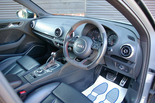 2015 Audi RS3 2.5 Sportback S-Tronic Quattro (40,012 miles)  SOLD (picture 4 of 6)