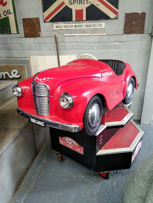 AUSTIN J40 PERIOD FAIRGROUND RIDE USED AT GOODWOOD REVIVAL For Sale (picture 3 of 6)