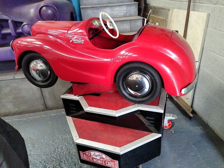 AUSTIN J40 PERIOD FAIRGROUND RIDE USED AT GOODWOOD REVIVAL For Sale (picture 5 of 6)