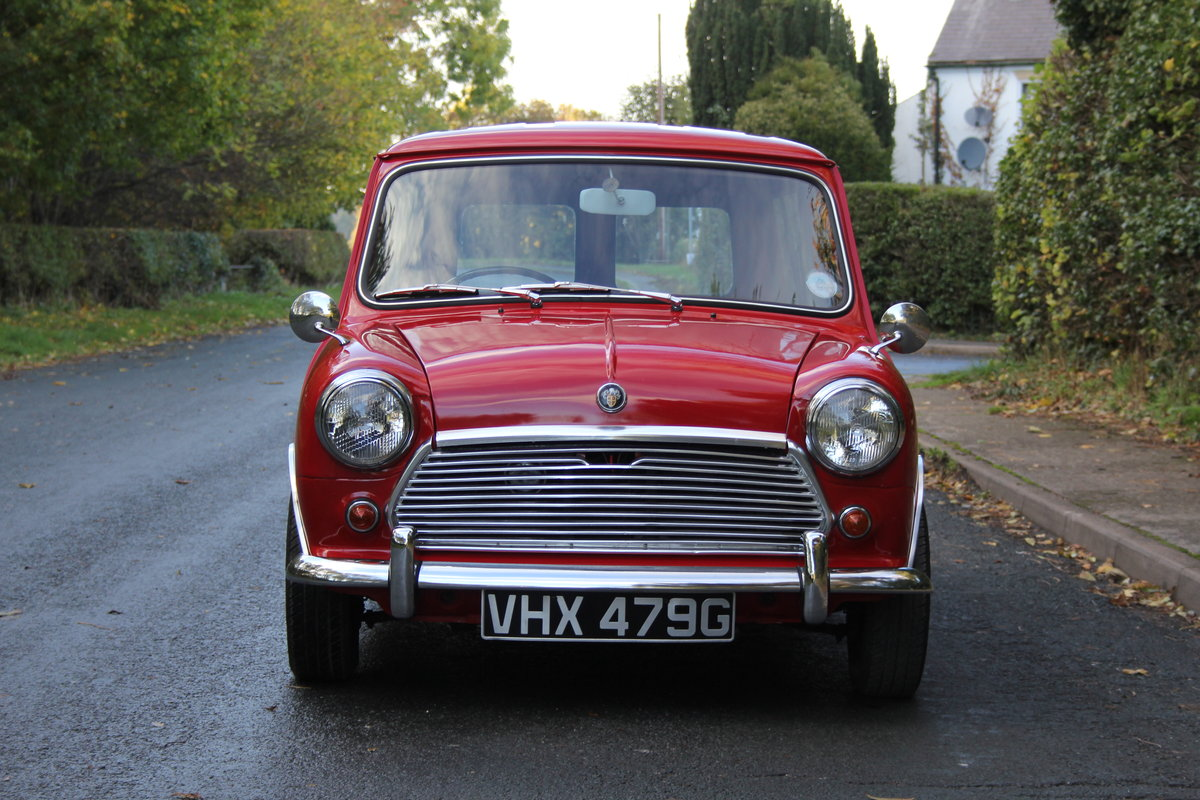 1969 Austin Mini Countryman MK2, 1 of 58 known worldwide SOLD (picture 2 of 12)