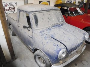 **APRIL AUCTION**1982 BL Mini 95 Pick Up SOLD by Auction