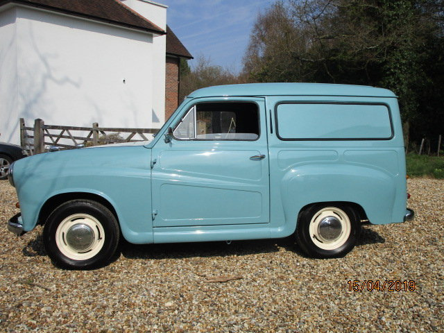 1958 Austin A35 Countryman (Debit Cards & Delivery Arranged) For Sale (picture 2 of 6)