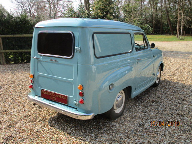 1958 Austin A35 Countryman (Debit Cards & Delivery Arranged) For Sale (picture 3 of 6)