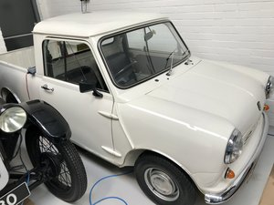 AUSTIN MORRIS 95 MINI PICK UP 1980 FULL RESTORATION. For Sale