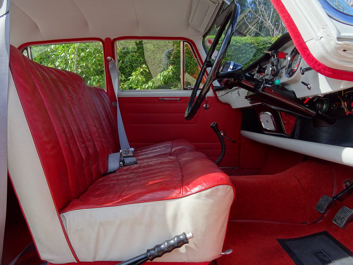 Austin Cambridge A55 Mk 2 – Show Winner one of the best SOLD (picture 5 of 6)
