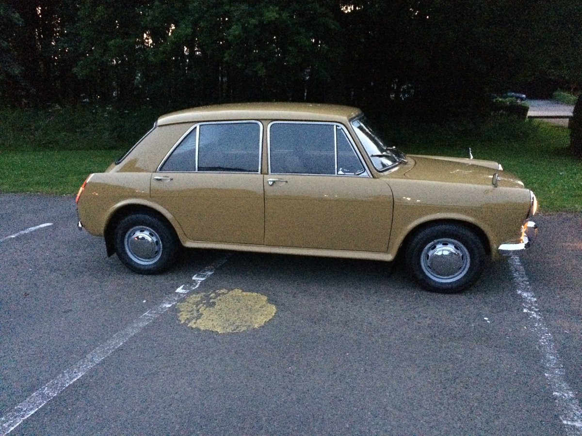 Austin 1300 1971 MK3 SOLD (picture 1 of 6)