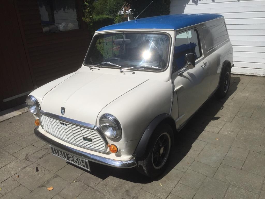 1970 Mini-van Classic  SOLD (picture 1 of 6)