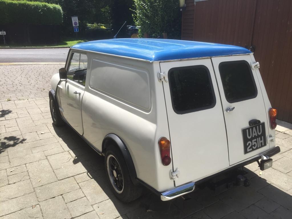 1970 Mini-van Classic  SOLD (picture 2 of 6)