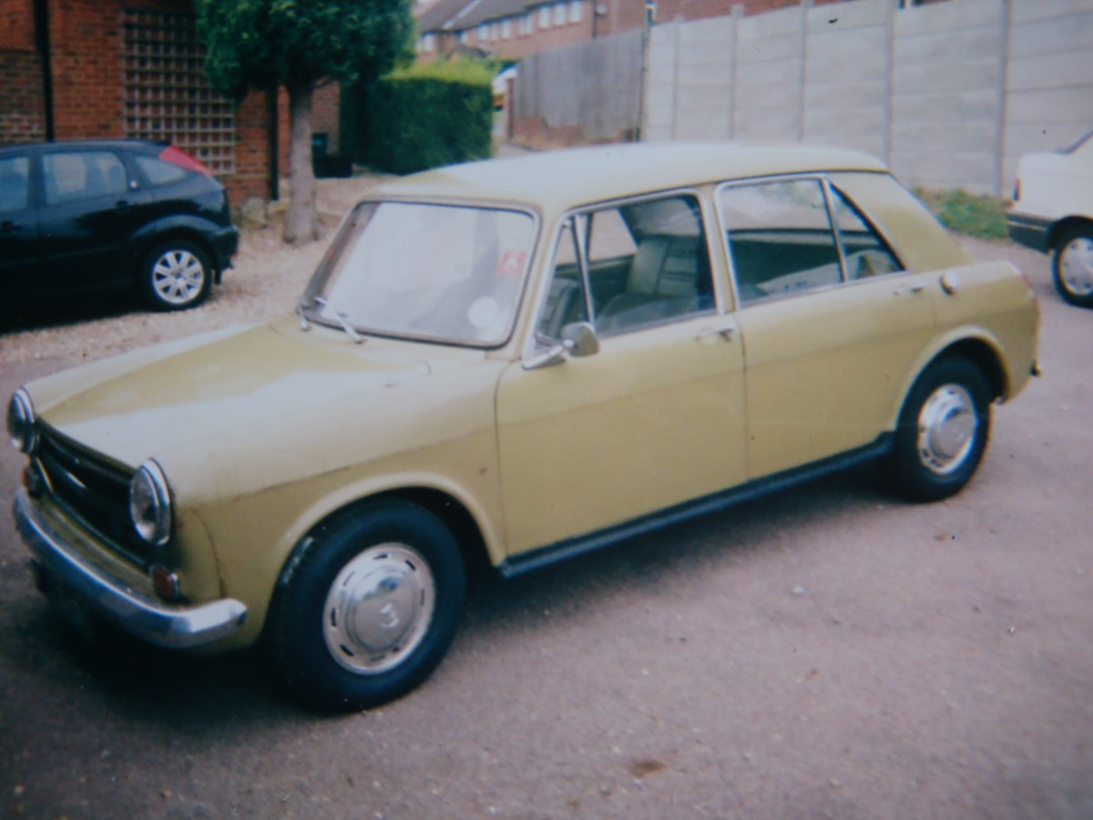 FOR SALE - AUSTIN 1300 - 1972 Model SOLD (picture 1 of 3)