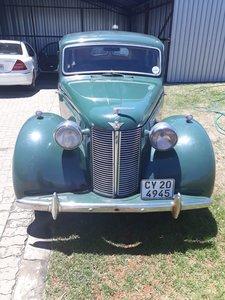 1947 Austin 16