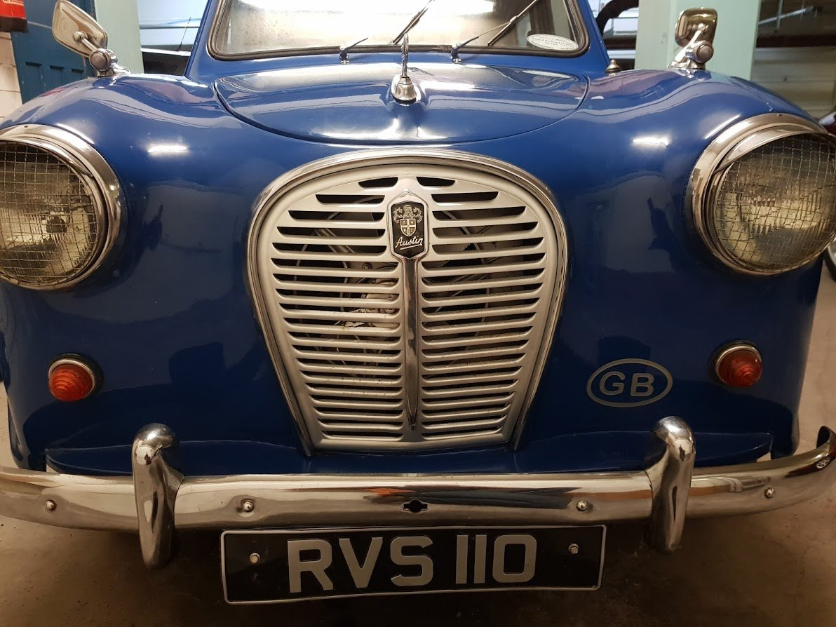1958 Austin A35 Saloon in Blue For Sale (picture 2 of 6)