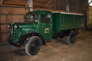 LOT 17: A 1942 Austin K2 tipper lorry - 03/11/19