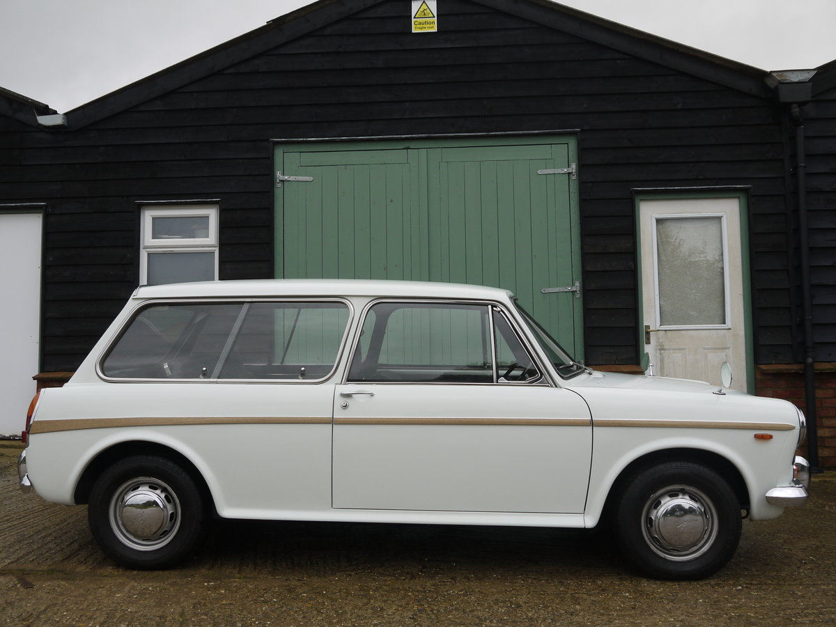 1971 AUSTIN 1300 COUNTRYMAN AUTOMATIC - 24K MILES FROM NEW !! For Sale (picture 2 of 6)