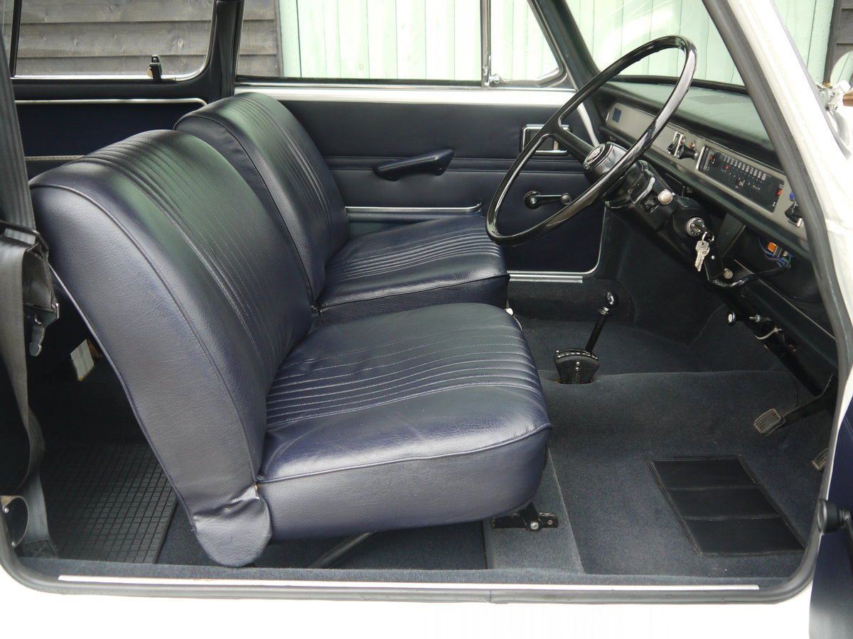 1971 AUSTIN 1300 COUNTRYMAN AUTOMATIC - 24K MILES FROM NEW !! For Sale (picture 4 of 6)