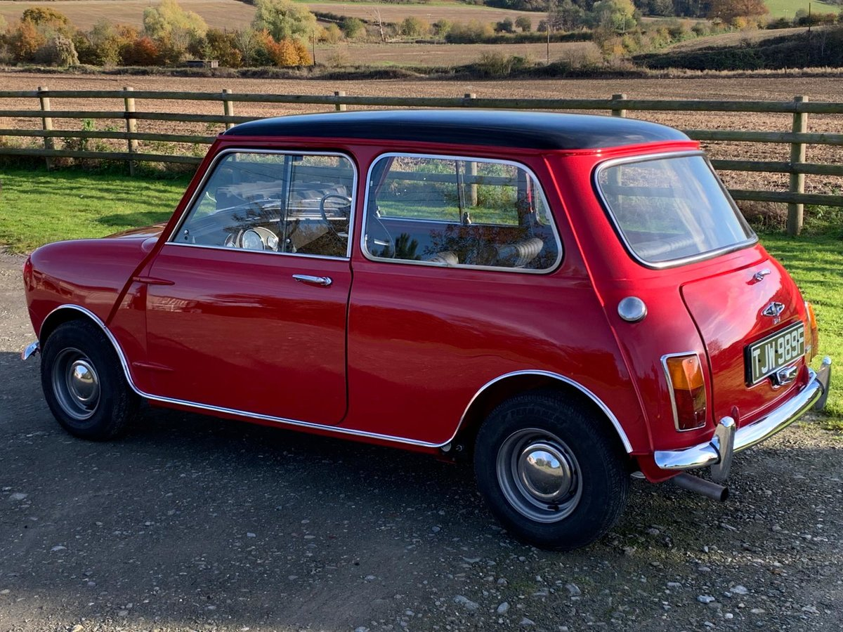 1968 Fully Restored Mini Cooper 998 MkII in Tartan Red For Sale (picture 2 of 6)