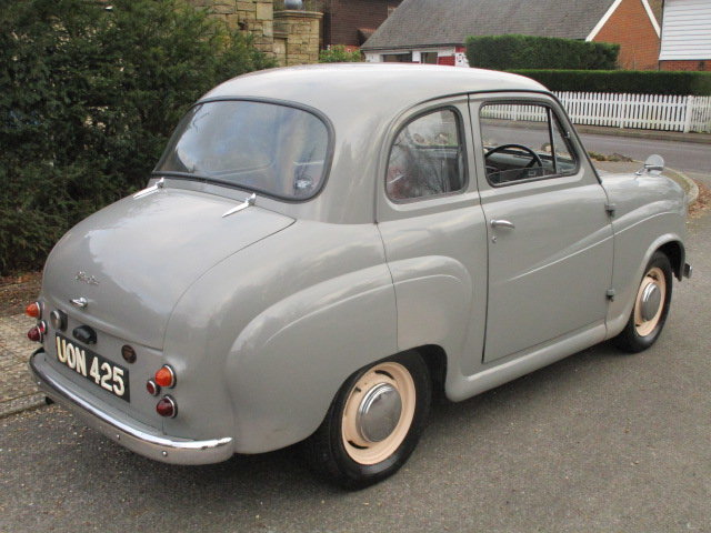 1957 Austin A35 Saloon (Debit Cards Accepted & Delivery) SOLD (picture 3 of 6)