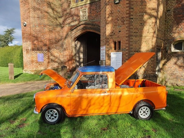 INCREDIBLE 1967 Austin Mini Pick-Up Truck For Sale (picture 4 of 6)