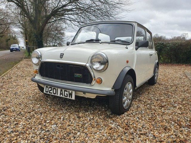 1987 Stunning Austin Mini City 1.0 in White For Sale (picture 3 of 6)