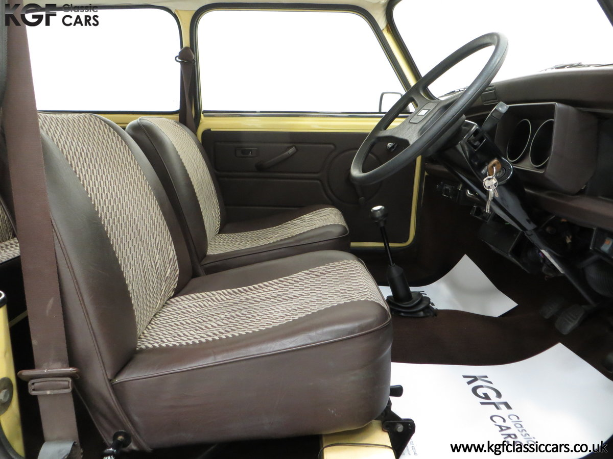 1986 A Delightful Classic Austin Mini City E Ready for Fun! For Sale (picture 6 of 6)