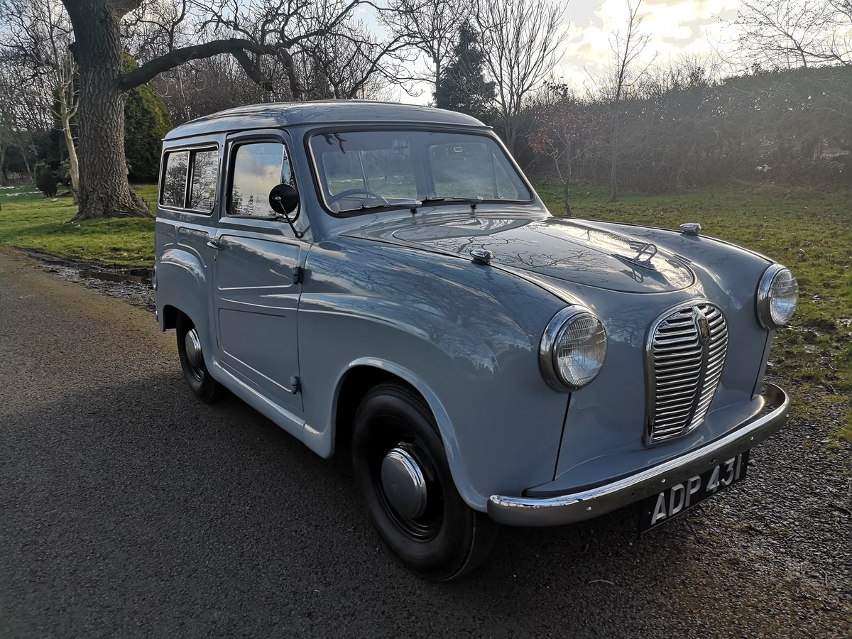 1956 AUSTIN A30 COUNTRYMAN.  RESTORED. LOW MILES.  For Sale (picture 1 of 6)