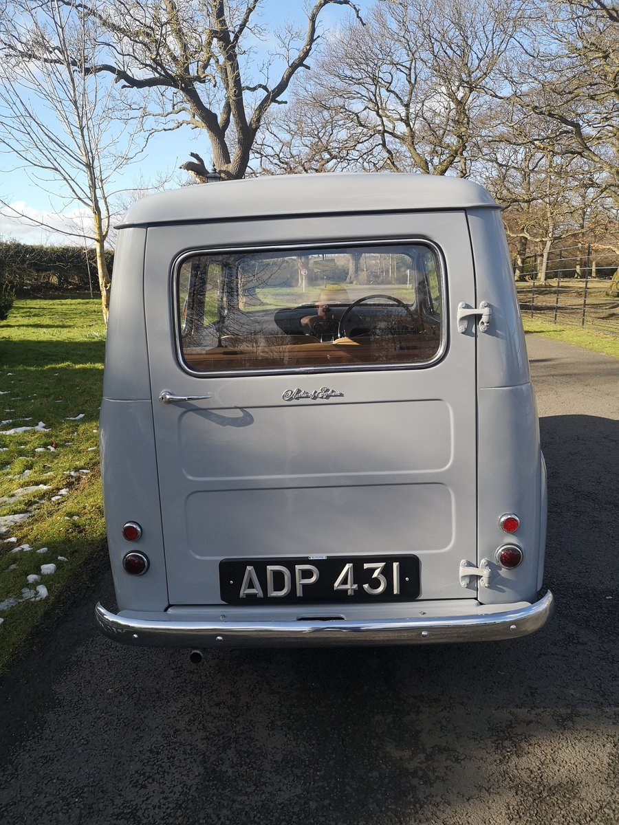 1956 AUSTIN A30 COUNTRYMAN.  RESTORED. LOW MILES.  For Sale (picture 4 of 6)