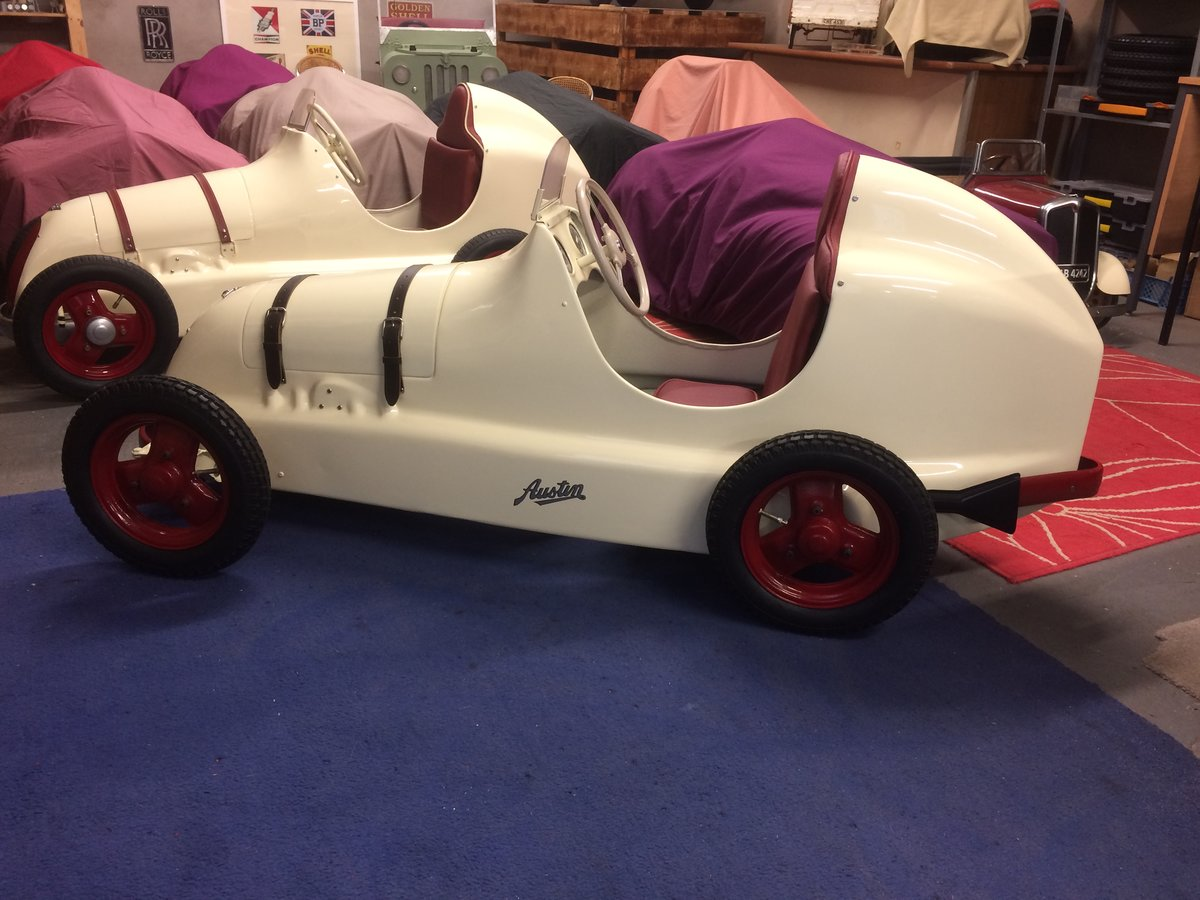 Austin pathfinder pedal car For Sale (picture 2 of 5)