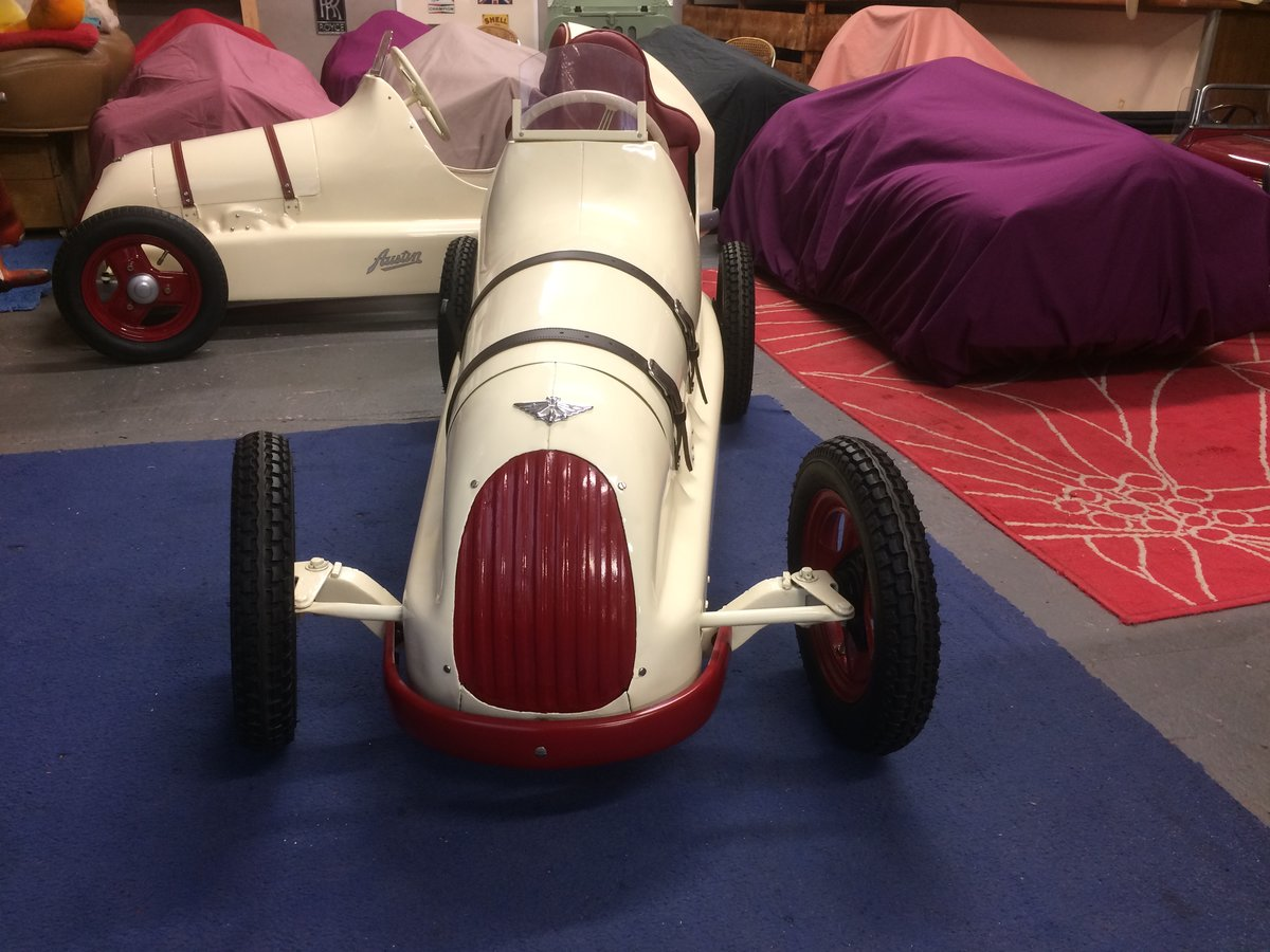Austin pathfinder pedal car For Sale (picture 3 of 5)